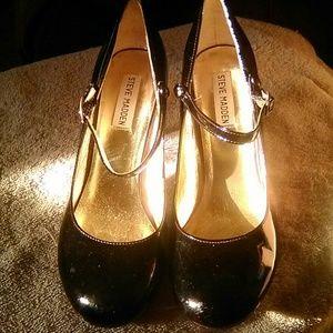 Black patent leather high heels